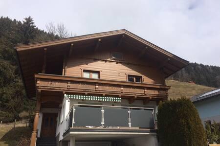 Schöne Wohnung mit Sauna nahe Skigebiet Kitzbuehel - Stuhlfelden