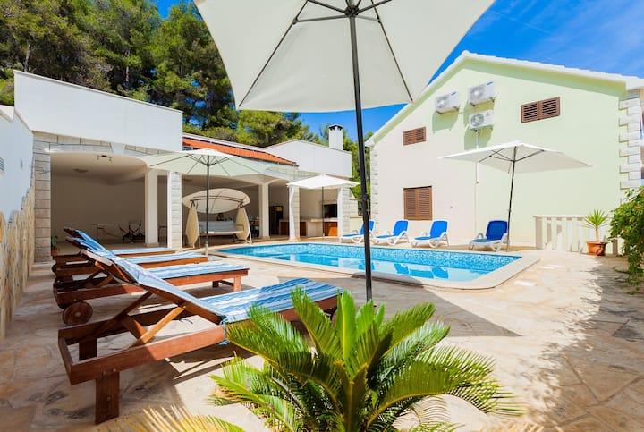 Villa Korcula-Prižba, Korčula
