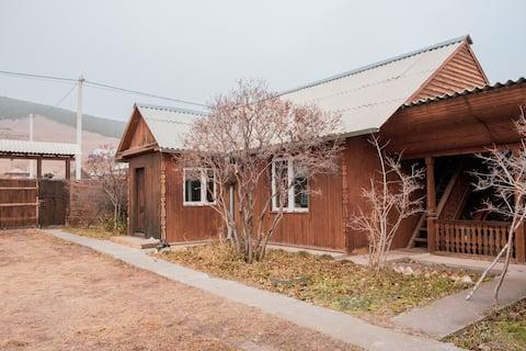 Уютный дом в шаговой доступности от о. Байкал