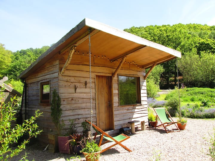 Romantic cabin, secluded retreat nr Conwy