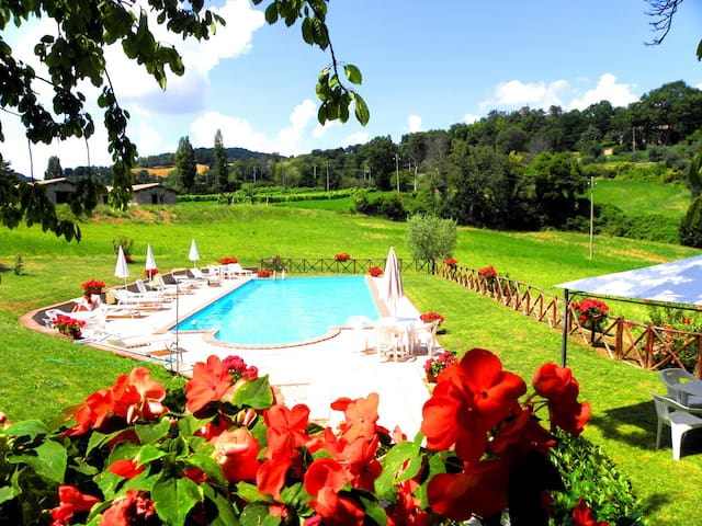 farm holiday Umbria italy Relax  - Gubbio - Bed & Breakfast