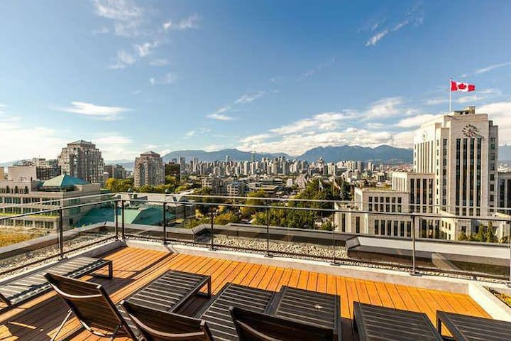 Brand New Cambie Village Apartment Get-away