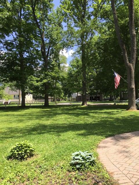 Park like setting!!