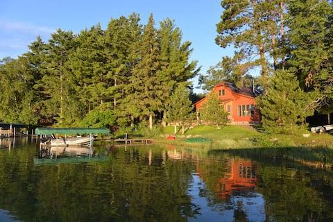Whole Home! - Beautiful Cottage on Horseshoe Lake.