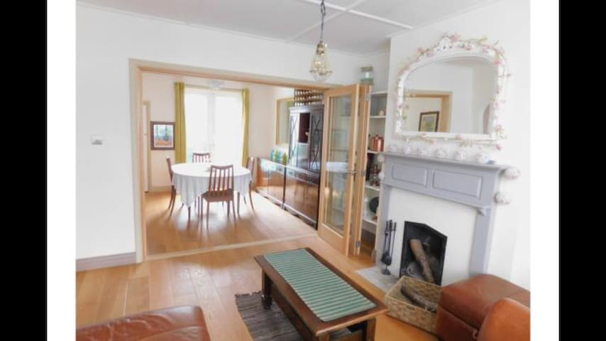 Whole house with cottagey feel offgrid city escape - Portslade - Dům