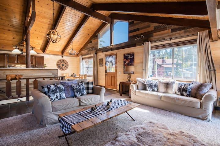 Alpen Haus - 1 Min. To Bear Mountain, Game Room
