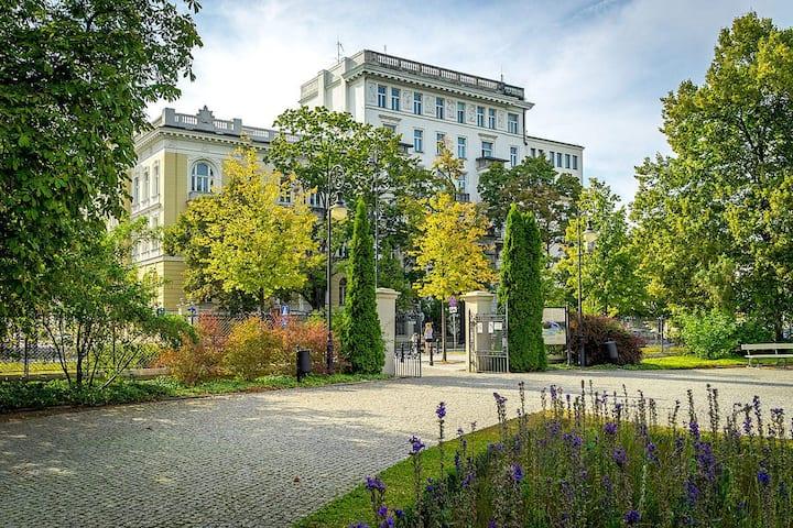 Pre-war residences of Warsaw elite