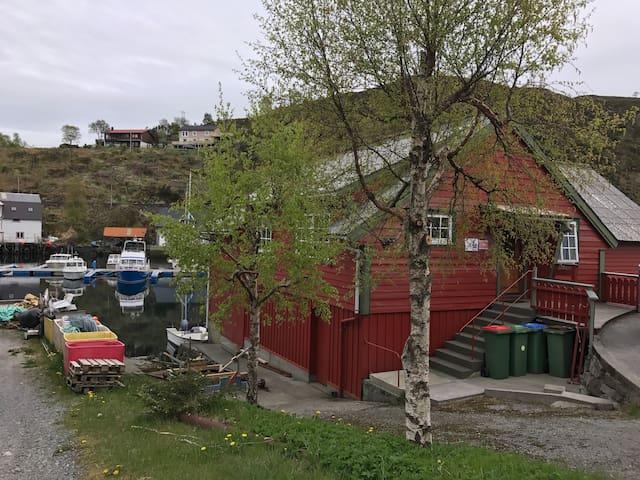 Koselig feriehus i Kalvåg