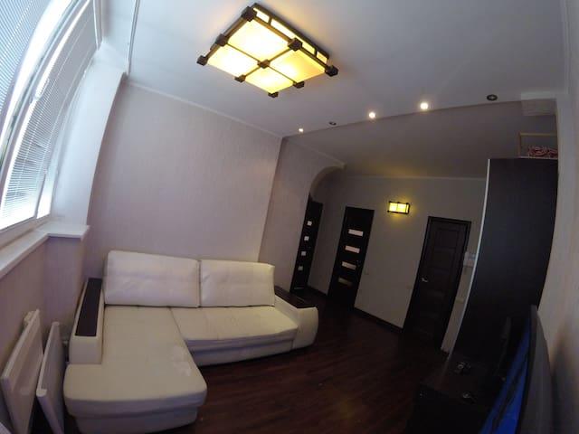 2-х комнатная квартира с личной парковкой в центре