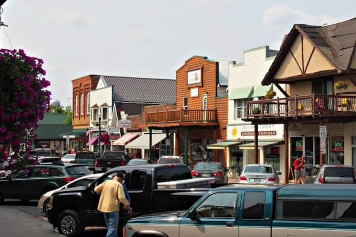 Perfect stay on Main Street in Hayward, WI