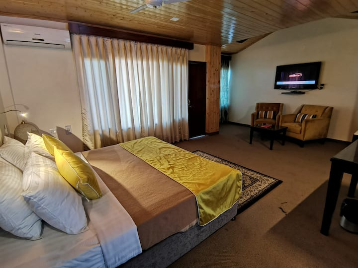 Enticing Stay in Chail