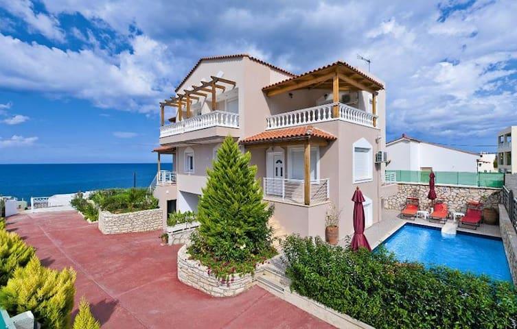 Holiday Villa Apollon, overlooking the Cretan sea - Sfakaki - Villa