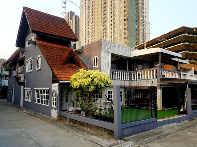 Waterside house & hostel