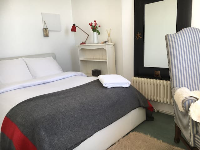 Sunny Room with Sea Views - St Leonards on sea - Apartament