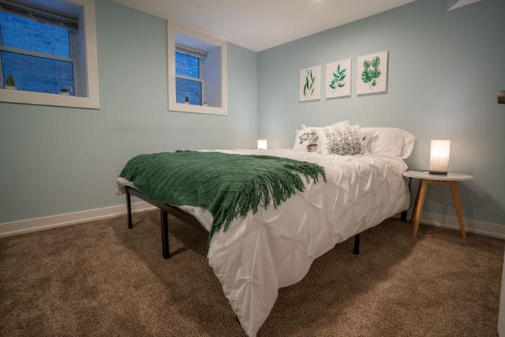 Logan Square - Newly Remodeled Guest Suite