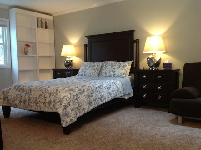 Charming Home for Travelers (Master Bedroom)