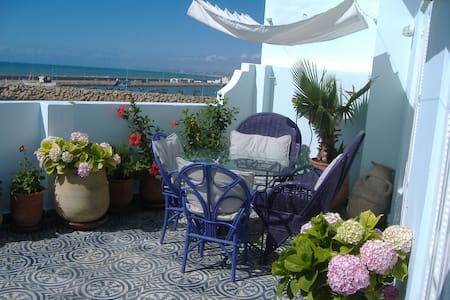 Charming house facing the ocean - Asilah