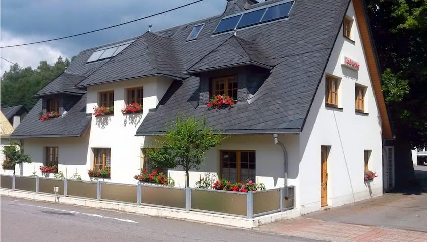 Freundliches Zimmer im oberen Erzgebirge - Neuhausen/Erzgebirge - Oda + Kahvaltı