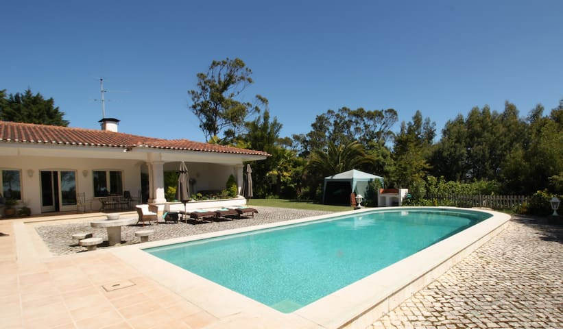 Comfortable villa in Sintra, enclosed by Nature - Sintra - Ev