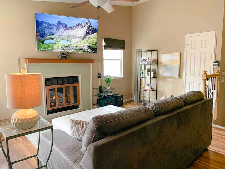 *Home Away from Home-* AF Academy- Sleeps 11