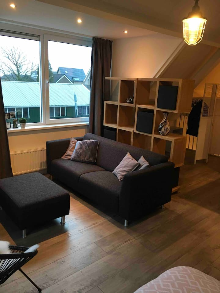 Private Guesthouse/Studio near Leiden and Schiphol