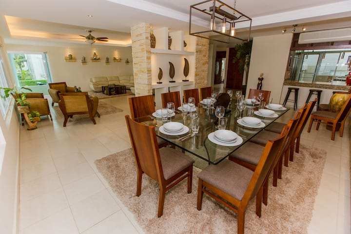 Cancun Luxury Beach Front Residence!!- Hotel Zone