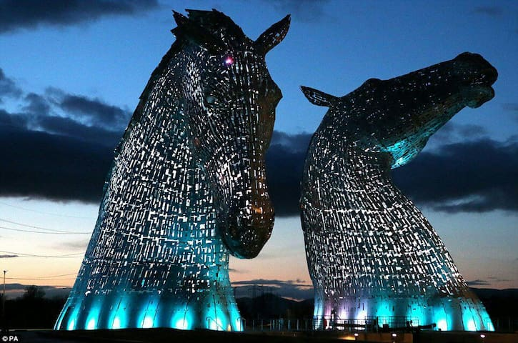 The Kelpies, Central Scotland.  Lots to explore! - Falkirk - Huis