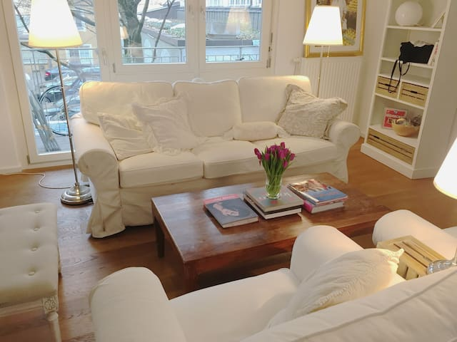 IN the HEART of MUNICH, around LOVELY CAFEs&SHOPs - Monachium - Apartament