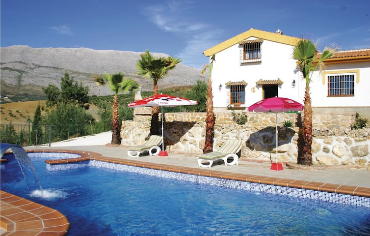 Holiday cottage with 3 bedrooms on 100 m² in Periana