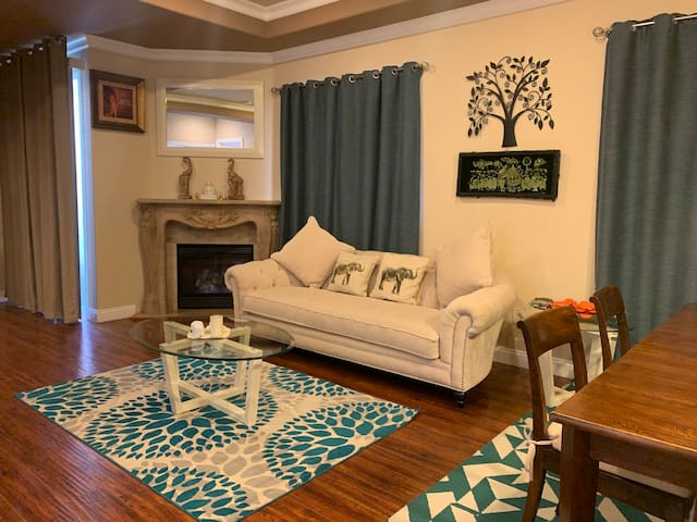Charming, furnished, open space, 2 bed +2.5 bath