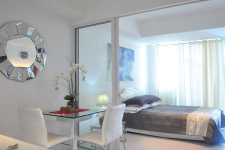 Near Airport! Spacious 1BR AZURE with Carport(G27)