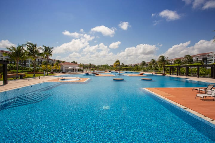 Amazing beachfront & Pool área in Playa del Carmen
