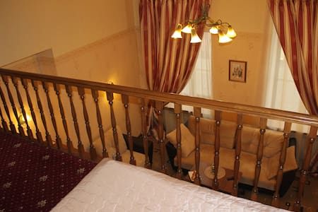 Двухуровневый аппартамент с кухней - Sankt-Peterburg