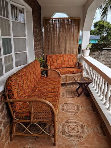 *New* Pangolin house - Balcony room AC & WiFi
