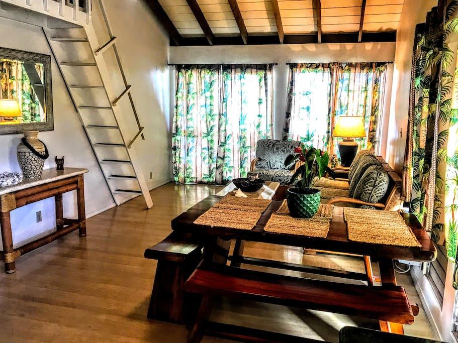 Kona Surf House Ohana Room