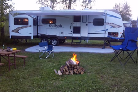 LETS GO OUTBACK, rv camper rental - Frankfort