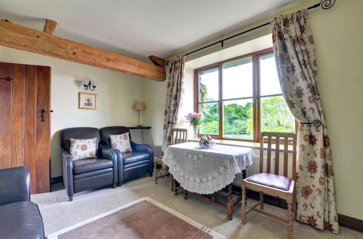 5 star property on a working farm in Snowdonia