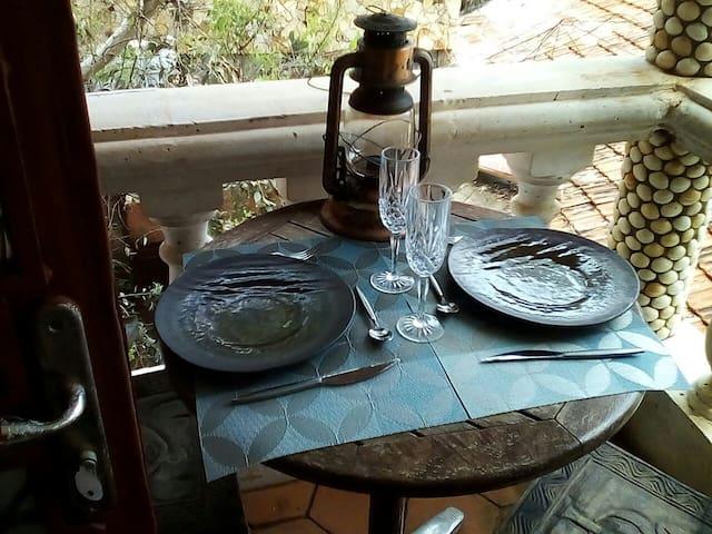 vous venez de préparer votre poisson du pêcheur à l'assiette mini cuisine à portée de main je serai heureuse de vous offrir un thiéboudienne de bienvenue régalez-vous bon appétit