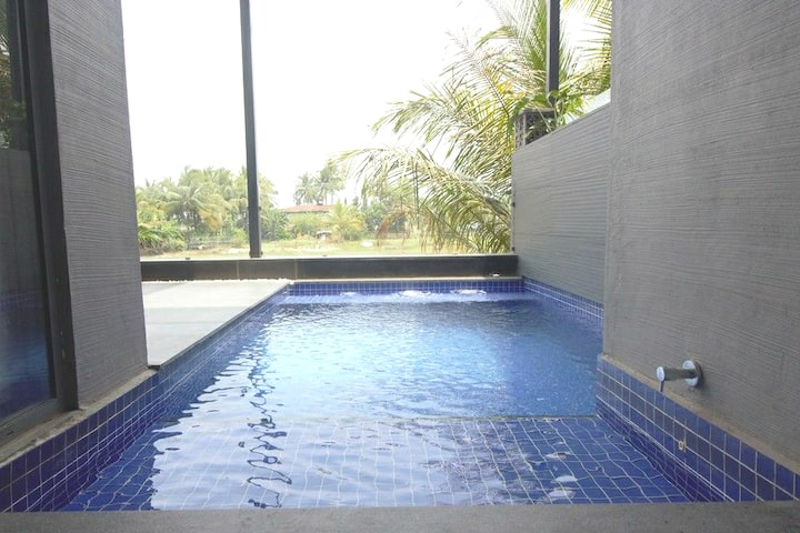 Premium Boutique villa|pool|cook|kitchen|wifi