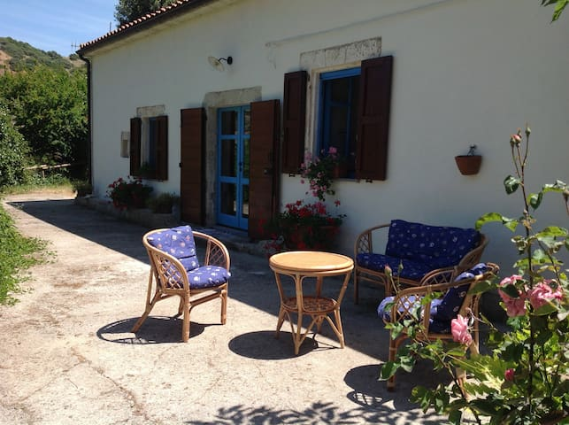 """""""Il Mulino"""" in Borgo tranquillo vicino al mare - San Lorenzo - Talo"""