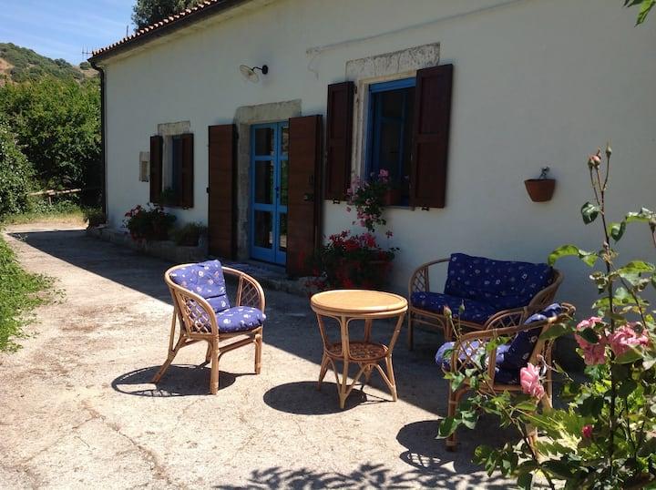 """""""Il Mulino"""" in Borgo tranquillo vicino al mare"""