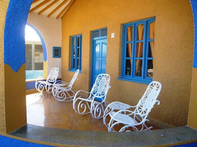 Hostal Sol y Mar. Habitacion 2. - Gibara - Bed & Breakfast