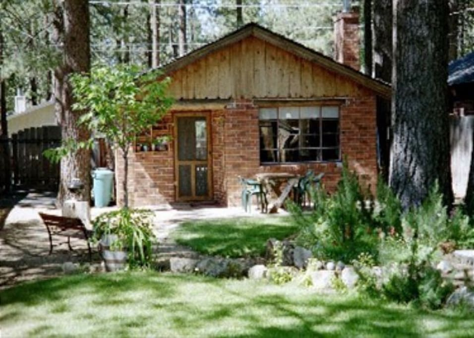 V38 the kokanee cabin cabins for rent in south lake for Rent a cabin in lake tahoe ca