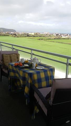 Azores Apartment Seafront View - Ribeira Grande - Byt