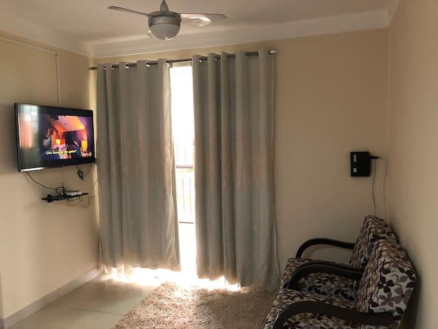 Apartamento completo 2/4, garagem, ar condicionado