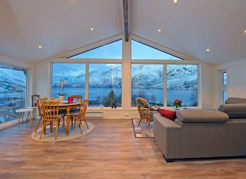Quiet, relaxing and a perfect view of Ersfjordbotn