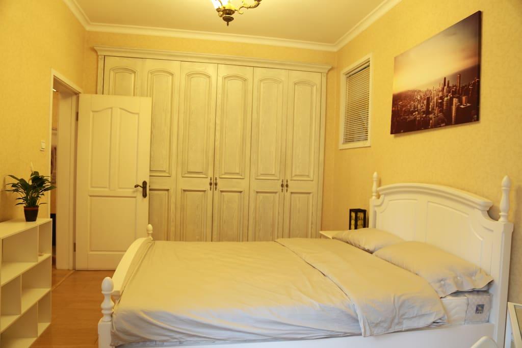 卧室-新床-新床品-大衣柜