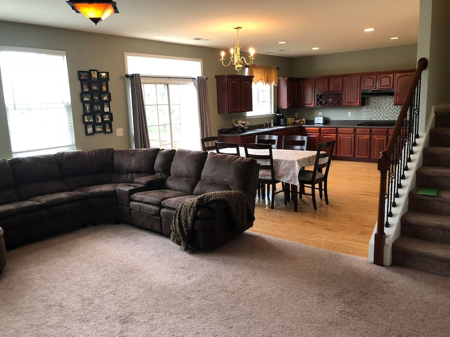 Open floor plan. Dining, living room and kitchen.
