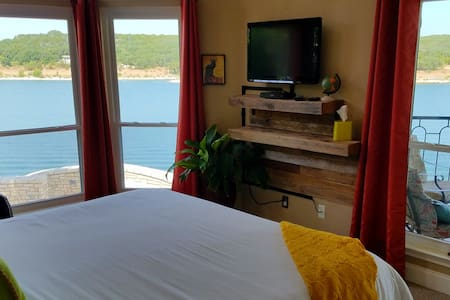 Casita Riviera @ The Island on Lake Travis