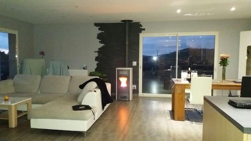 Chambre dans jolie villa - Bizanet - Hus